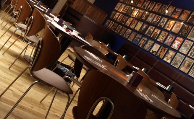 Gotham-Cafe4