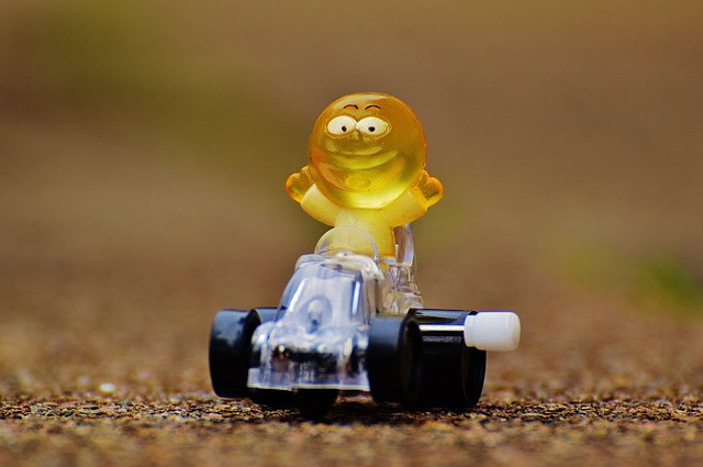 racing-car-1237529_640.jpg