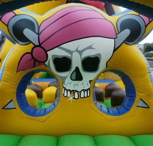 bouncy-castle-442909__340
