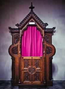 confessional-1399097_640