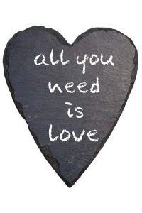 all-you-need-is-love-194916_640