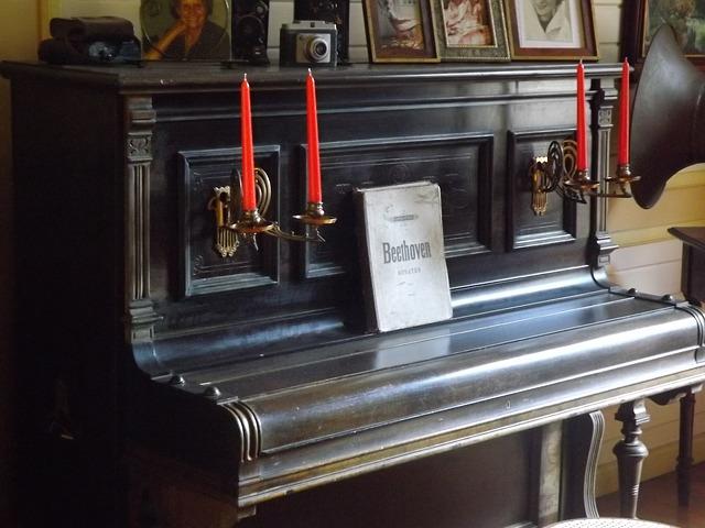 piano-956386_640.jpg