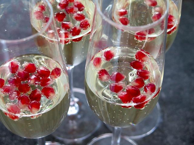 champagne-1033655_640